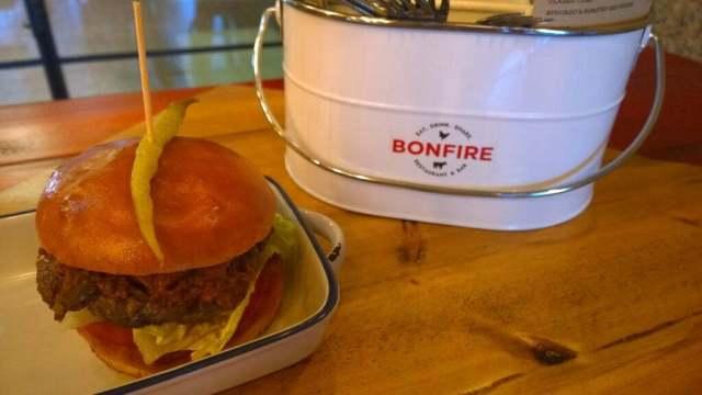 Spicy pig burger Bonfire restaurant review