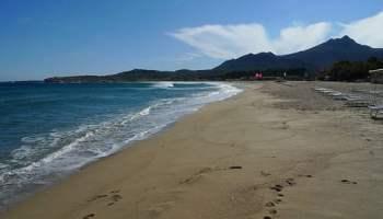 3821331618_6335dcd557_corsica-beach