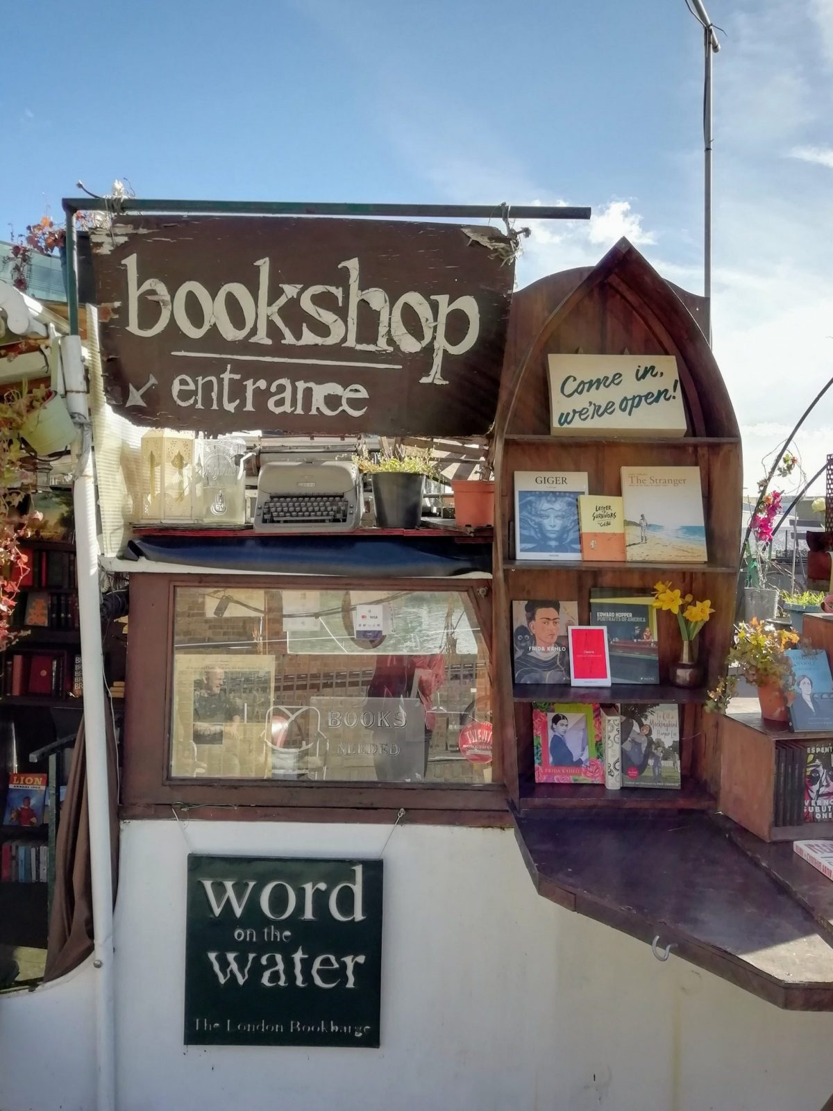 Best Cheap & Secondhand Bookshops in London 2