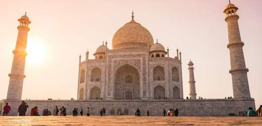 Getting a Visa to India for British citizens Arriving by Air, Land or Cruise