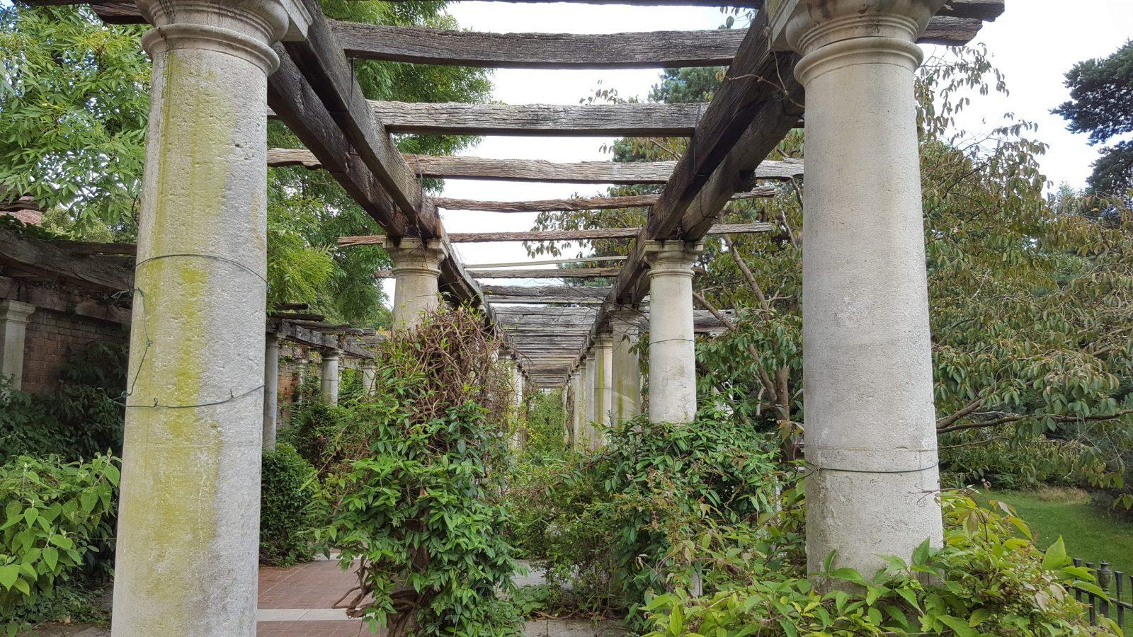 Visiting Hill Garden & Pergola, Hampstead Heath: Photo Gallery 3