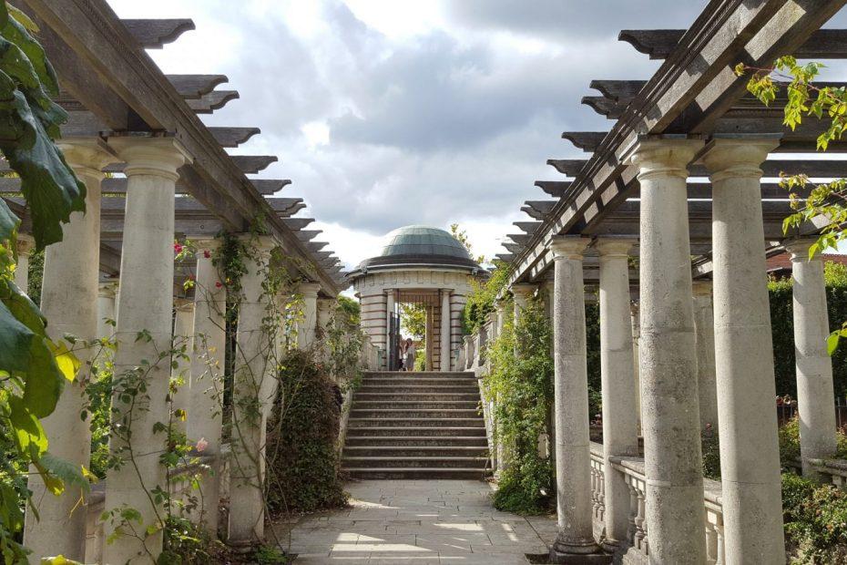 Visiting Hill Garden & Pergola, Hampstead Heath: Photo Gallery 1