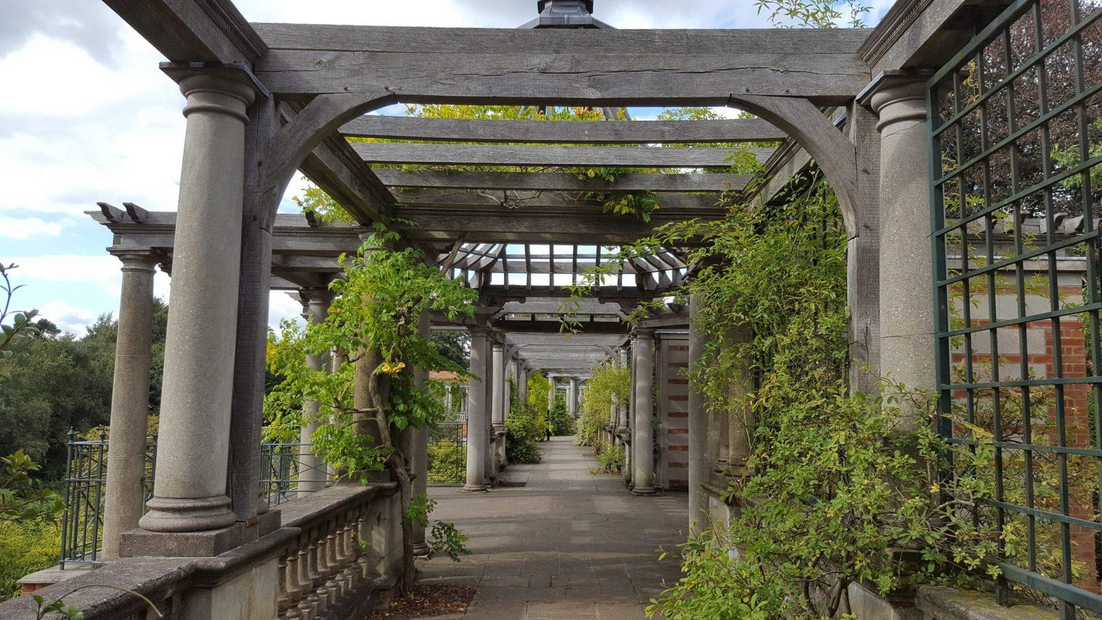 Visiting Hill Garden & Pergola, Hampstead Heath: Photo Gallery 13
