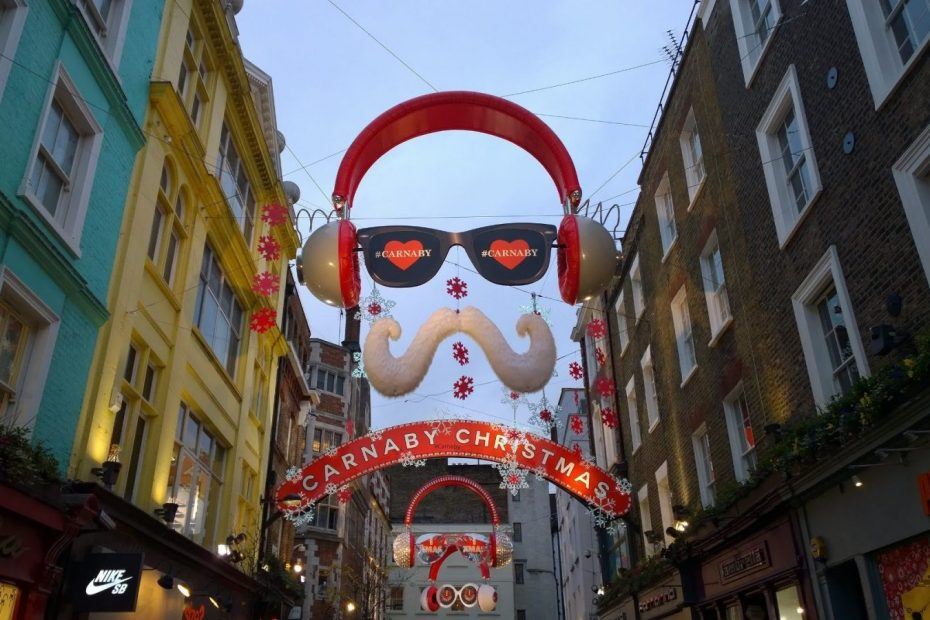 What does Christmas in London Look Like? 1