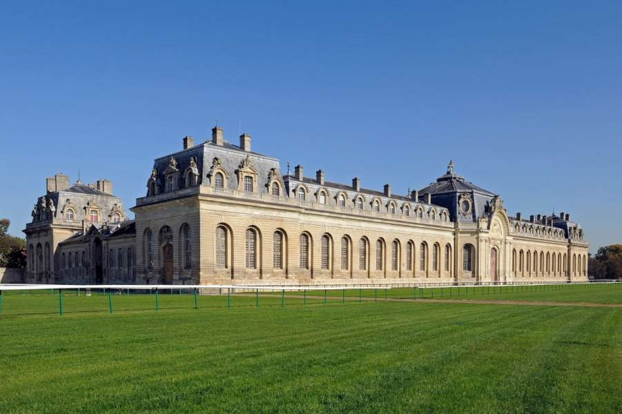 7 Best Places to Visit an Hour from Paris 1