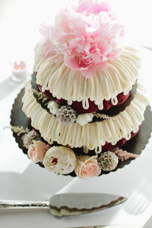 Doughnut Cake Elizabeth Anne Designs The Wedding Blog