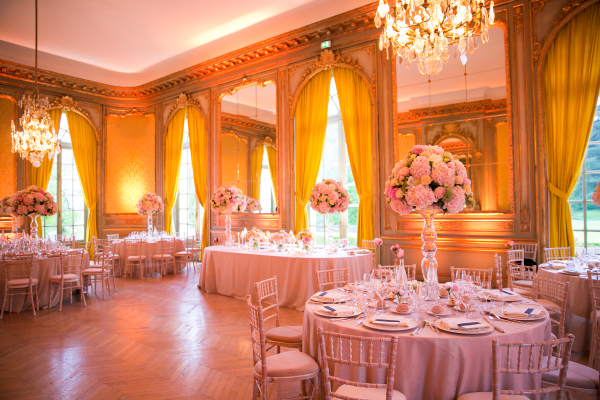More Inspiration Unforgettable Garden Wedding Decor Middot View In Gallery Pink And Orange Festive Table