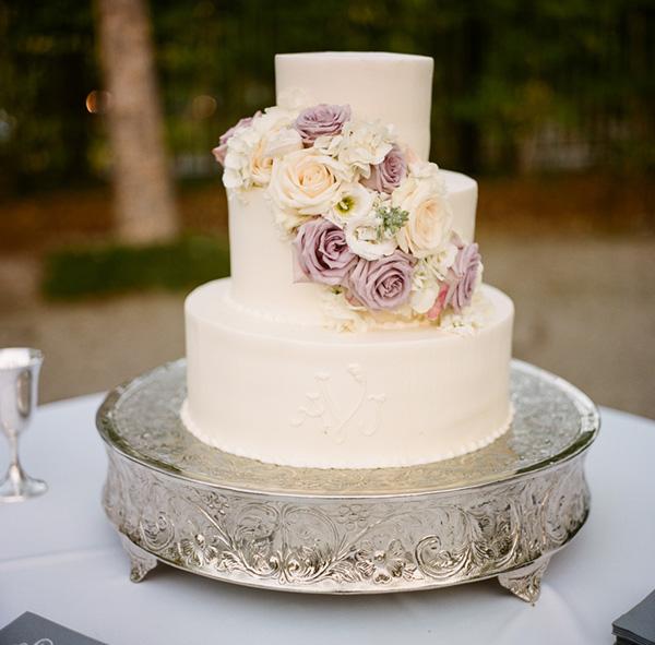 Cream And Lavender Wedding Cake Elizabeth Anne Designs
