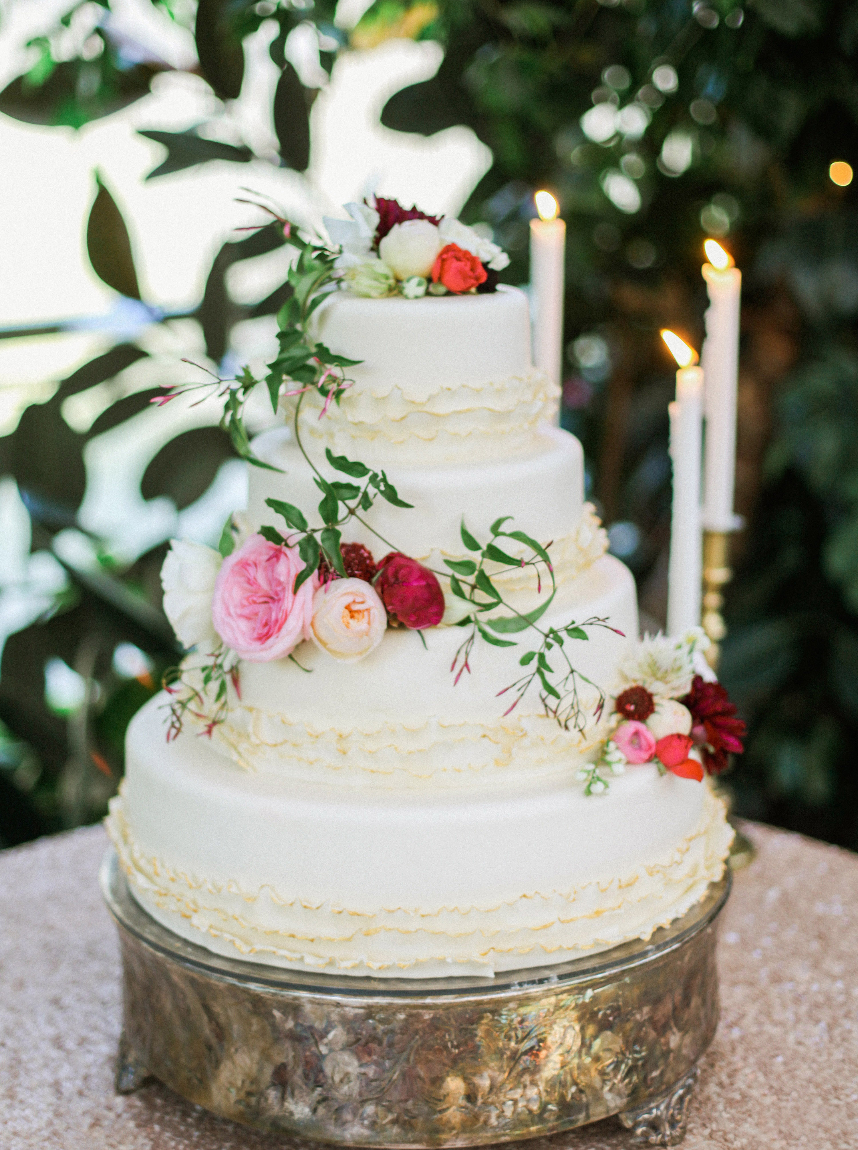 Wedding Cake With Floral Garland Elizabeth Anne Designs