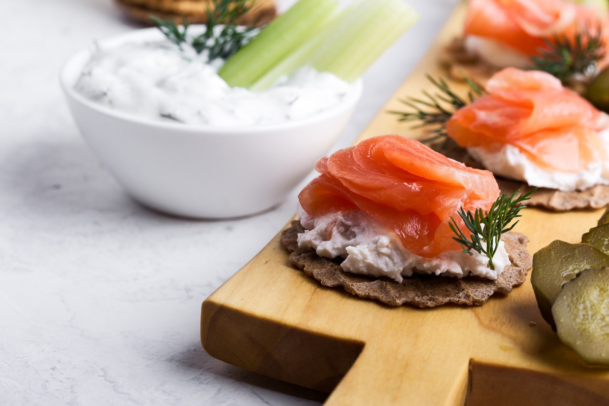 smoked salmon toast, salmon toast, salmon on toast, smoked salmon on toast, dill with salmon, smoked salmon with dill, smoked salmon spread, brunch salmon, elizabeth sutton collection