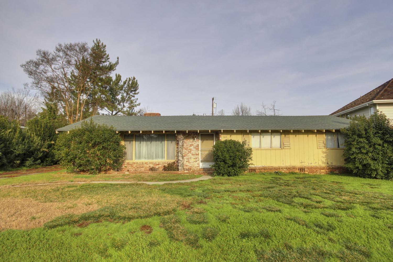 Wilhaggin Fixer Home in Sacramento For Sale