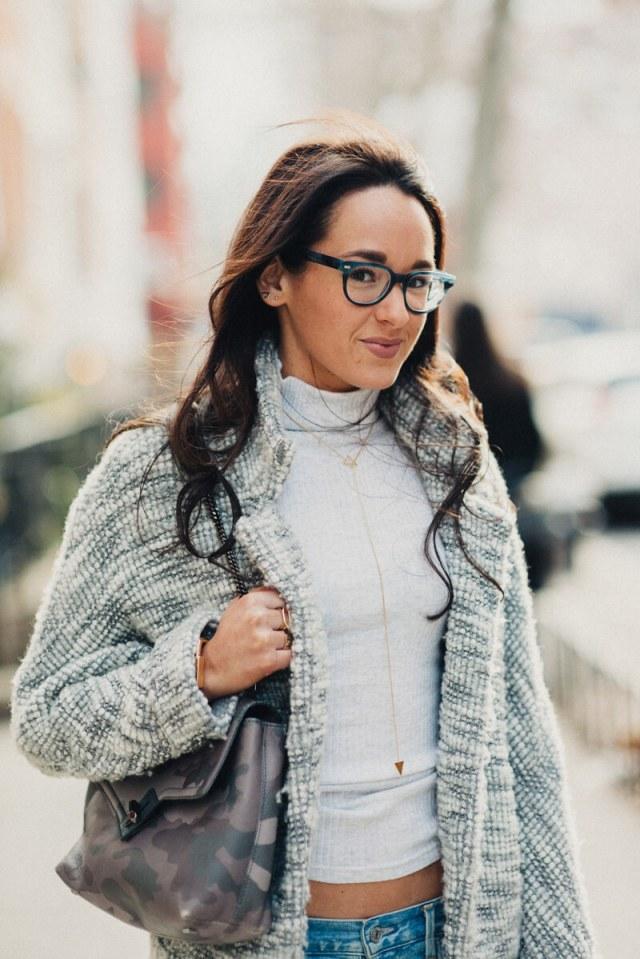 Guys Make Passes At Girls In Glasses | thevillagevogue.com