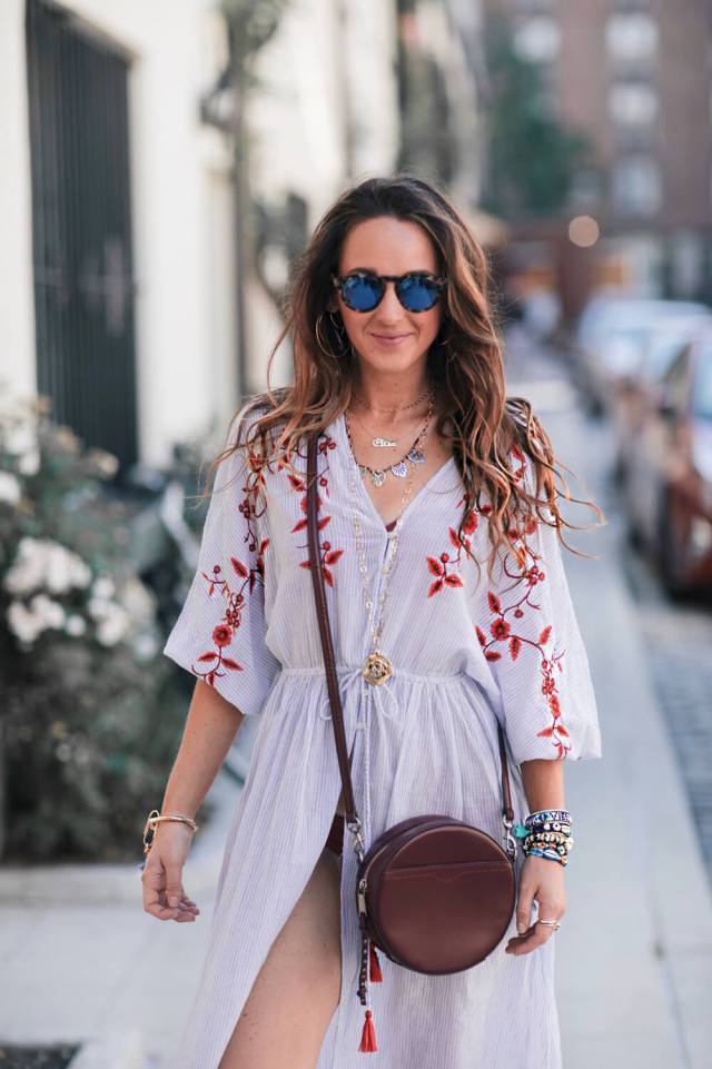 How to dress for the beach in the city all summer long | elizahiggins.com