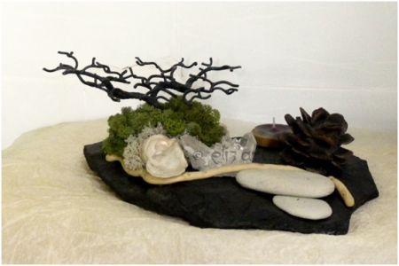 Composition végétale en ardoise, bois, graines, plantes séchées, minéraux, mousse végétale, métal  et galets, par Eliz'art