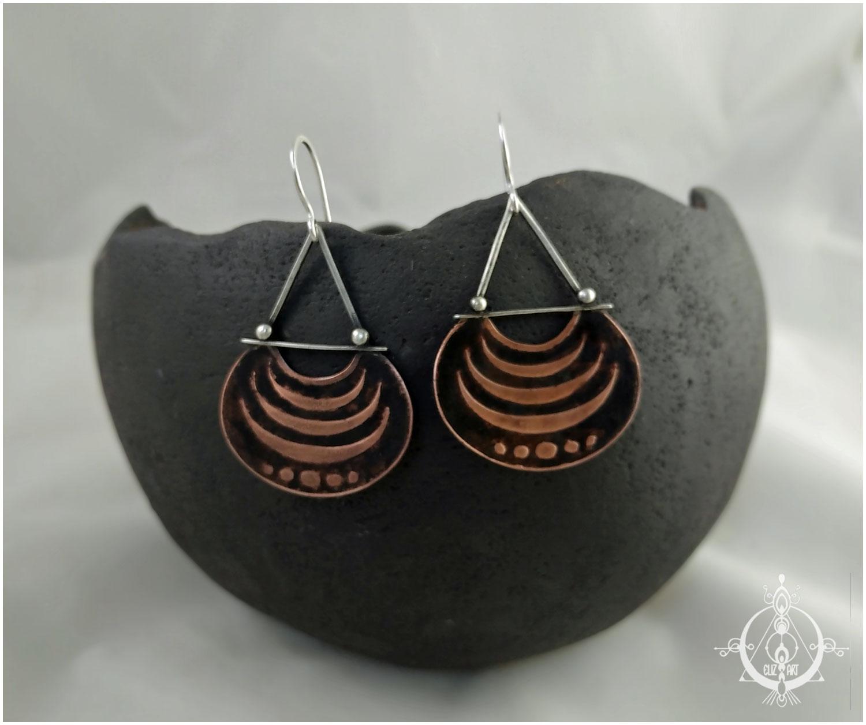 Boucles d'oreilles tribales en cuivre gravé et argent 925 par elizart