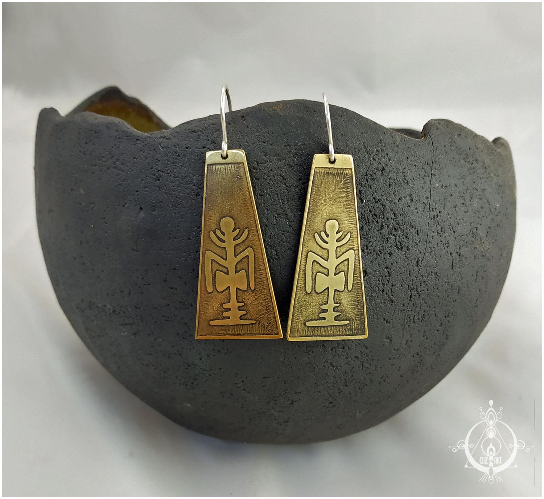 Boucles d'oreilles ethniques en laiton gravé et argent 925 par elizart. Géométrie sacrée