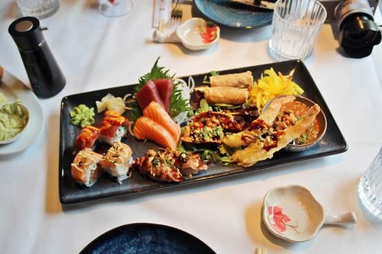 De heerlijke sushi en sashimi van Eveline Wu