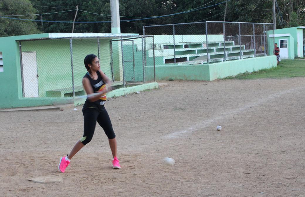 Play de Softball de la Liga Añeja del Complejo Deportivo JPD.