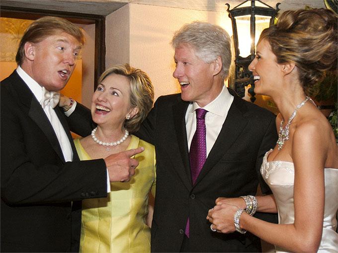 Hillary y el expresidente Bill Clinton en la boda de Trump y su actual esposa Melania en el 2005.