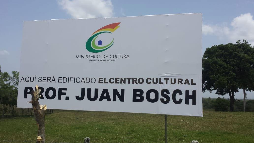 Unos 25,152 metros cuadrados, fueron intencionados para construir las estructuras y espacio del Centro Cultural Regional.  Este terreno se ubica en la entrada a Los Arroyos, de esta ciudad.