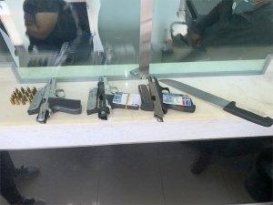 Armas allanadon a la oficina financiera Inversiones Moya Bueno.