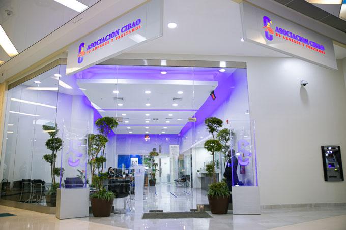 Bendicen nueva sucursal de Asociación Cibao en centro comercial Sambil