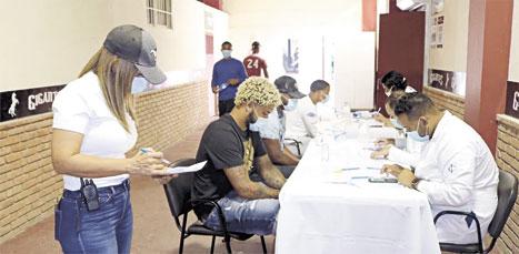 ❏ Cada semana para cumplir el protocolo de la liga el personal y jugadores se someten a las pruebas del Covid-19.