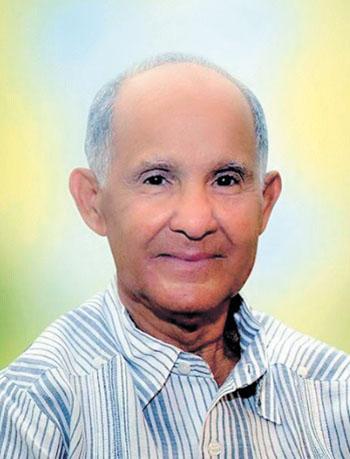 Antonio Hidalgo Toñito, propietario del establecimiento Repuestos Toñito