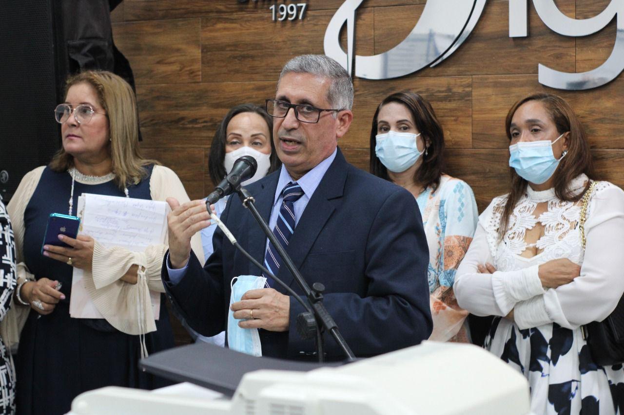 doctor Ramón Mena Rivas, presidente del consejo del Grupo Médico Unido