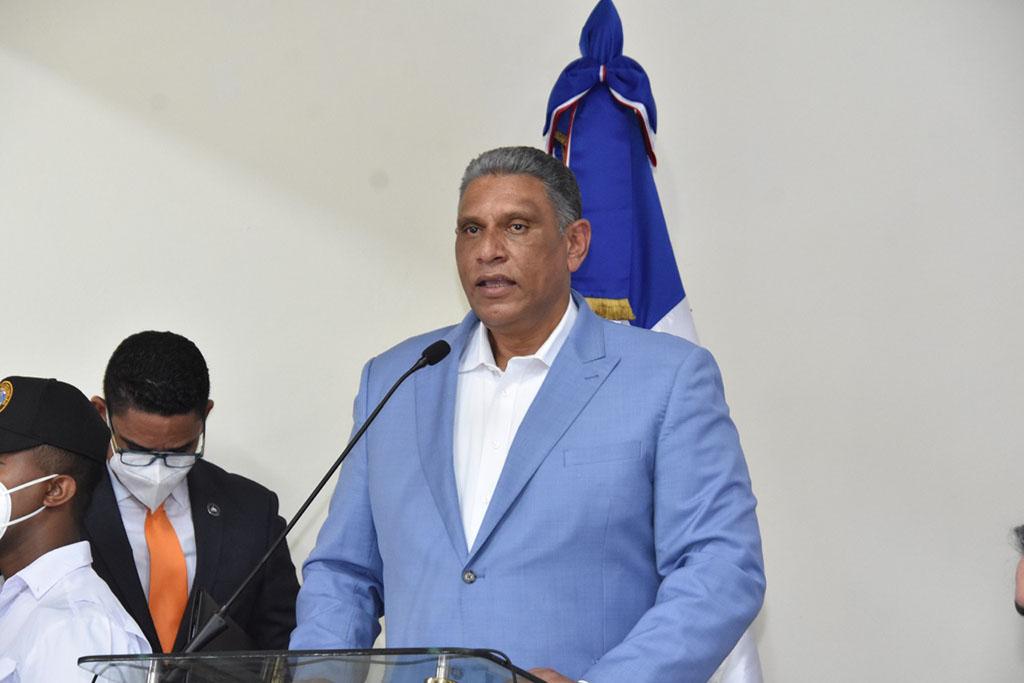 el ministro de Interior, Jesús Vásquez Martínez