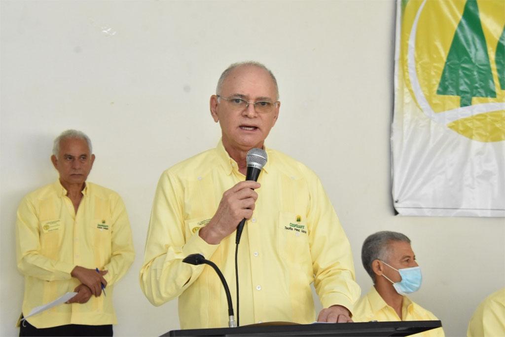 El doctor Teófilo Pérez García, presidente de la Cooperativa Duarte