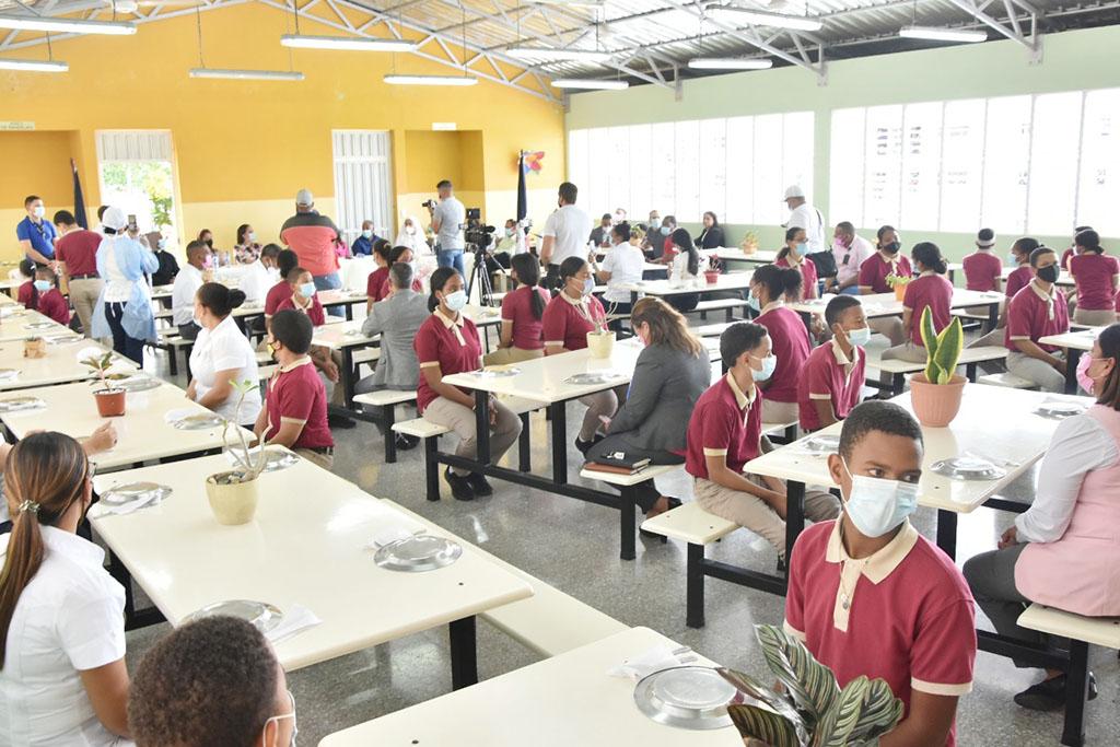 Directora Regional participa en acto lanzamiento Almuerzo Escolar en Centros Educativos Públicos