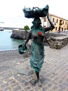 Teneriffa Puerto de la Cruz Fischfrau Hibiscus 2016-03-27 Foto Elke Backert (1)