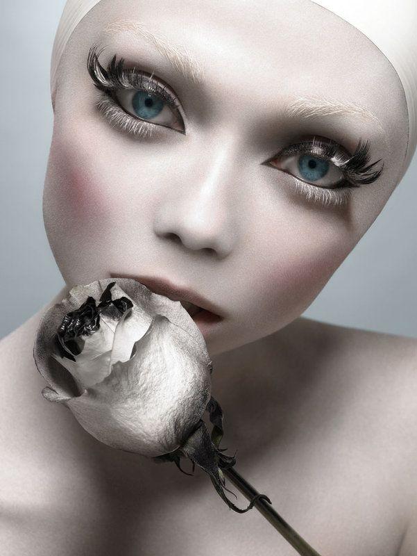 Beautiful Halloween Makeup Ideas 13