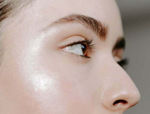 How To Keep Brows Neat Between Shapings