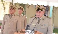 Gaïd Salah installe le Général-Major Mostefa Smaali dans ses nouvelles fonctions de Commandant de la 3ème RM 20
