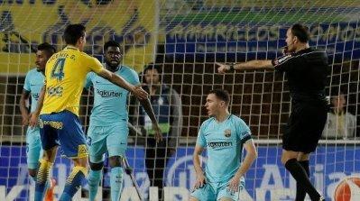 لاس بالماس يفرض التعادل على برشلونة 64