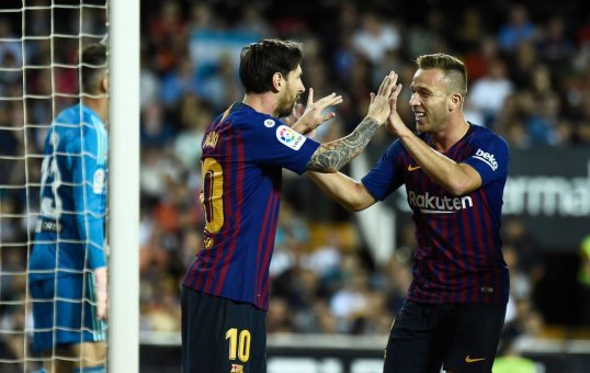 برشلونة يكتفي بالتعادل في ملعب فالنسيا بهدف لمثله 24