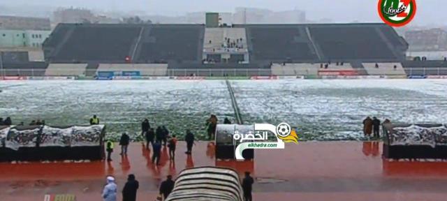 تأجيل مباراة وفاق سطيف وجمعية عين مليلة بسبب تراكم الثلوج 25