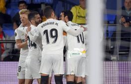 فالنسيا يفوز على مواطنه فياريال ويضع قدماً في نصف نهائي الدوري الأوروبي 30