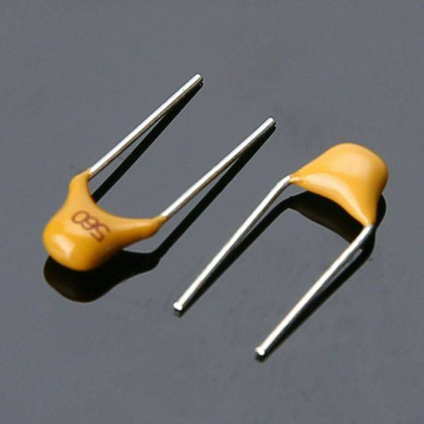 300 stk Keramiske kondensatorer med 10 forskjellige verdier 50V 10pF~100nF Ceramic Disc Capacitors Assortment Kit with Box Keramiske Kondensatorer 02