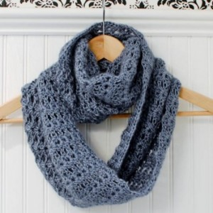 crochet-infinity-scarf-pattern- by Petals to Picots