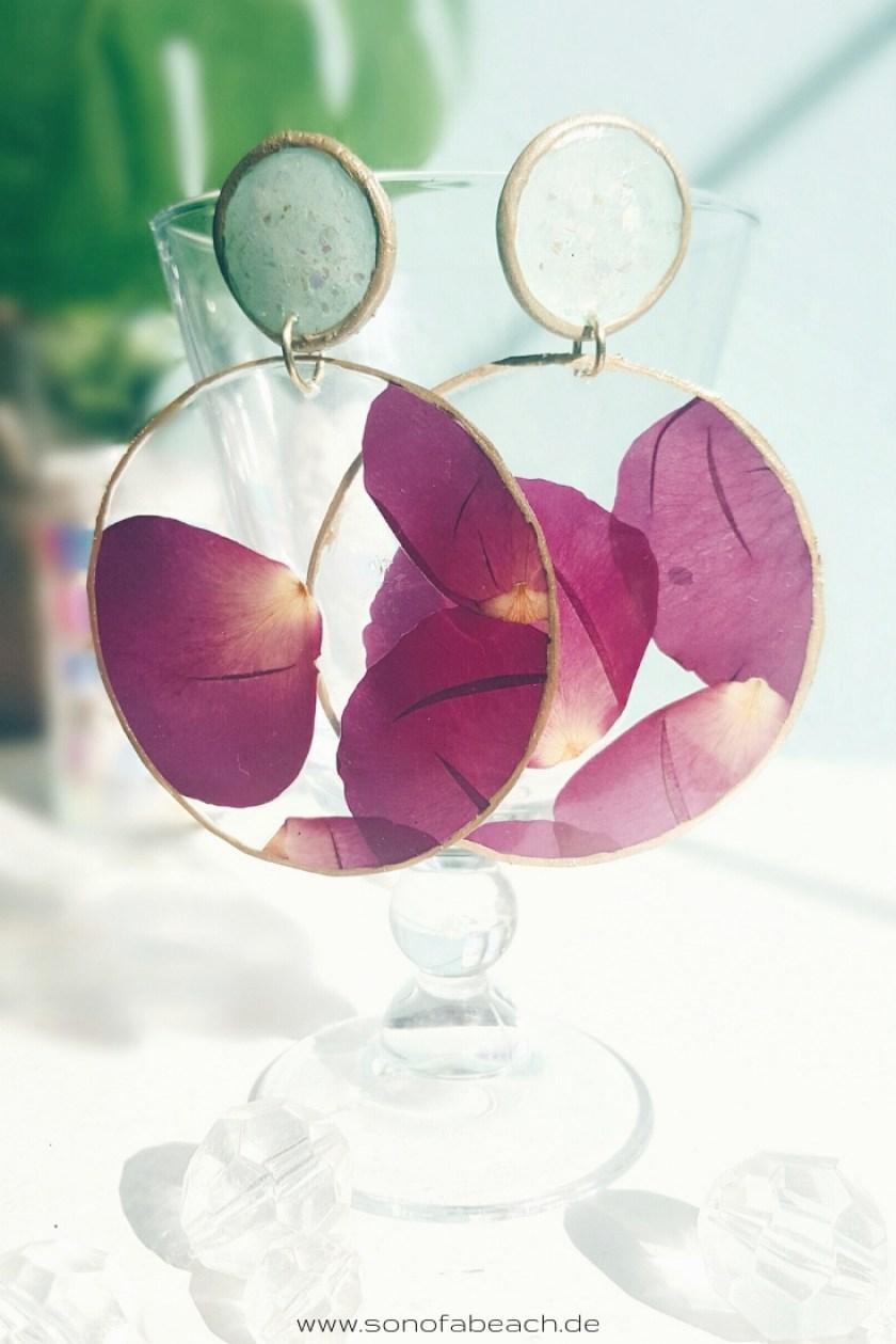 Ohrringe aus getrockneten Rosenblättern selbermachen handgemacht basteln diy