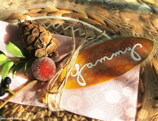 herbstliche namenskärtchen basteln aus herbstblättern deko diy herbst