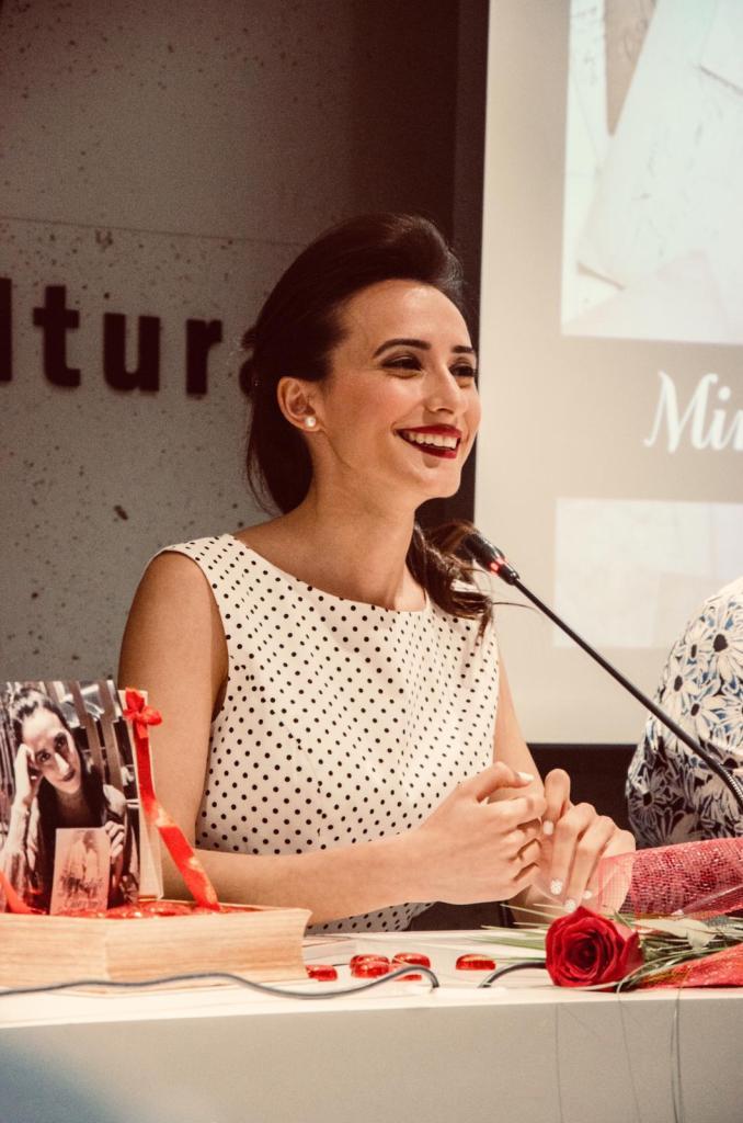Miriam Najm en la presentación de su libro