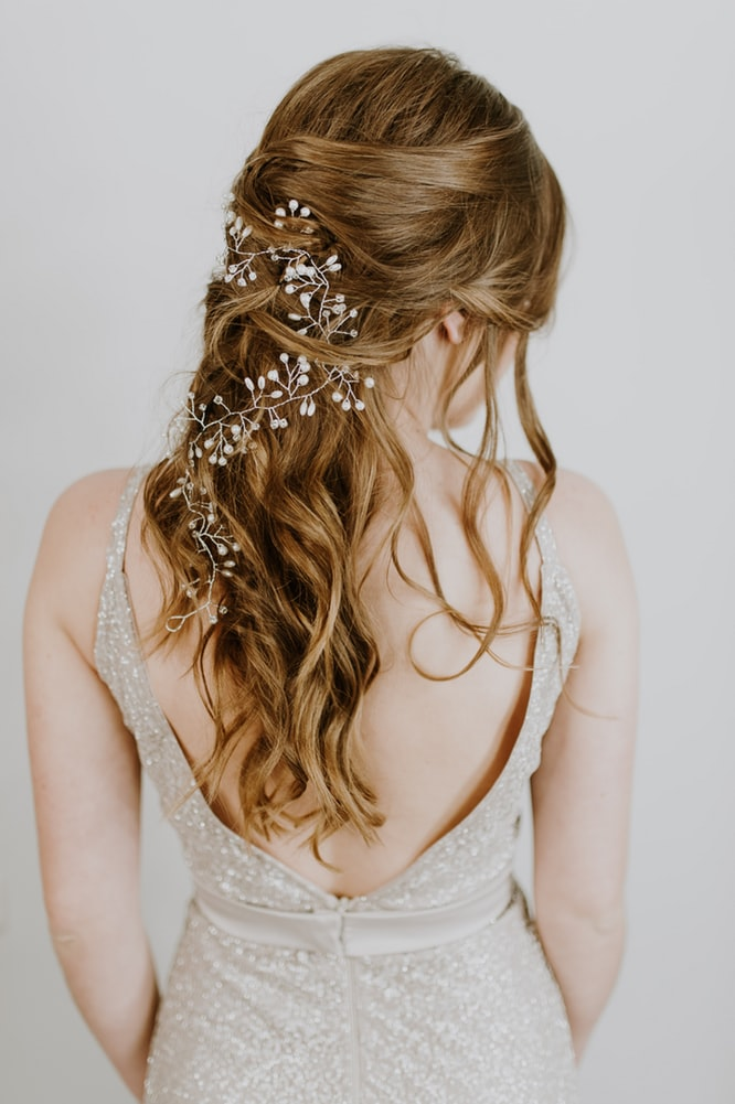 Valentine's day hairstyles attract all eyes.