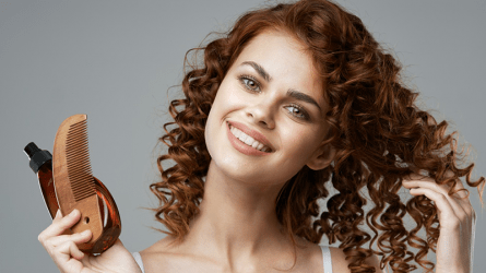 The secret to moisturizing curly hair between shampoos