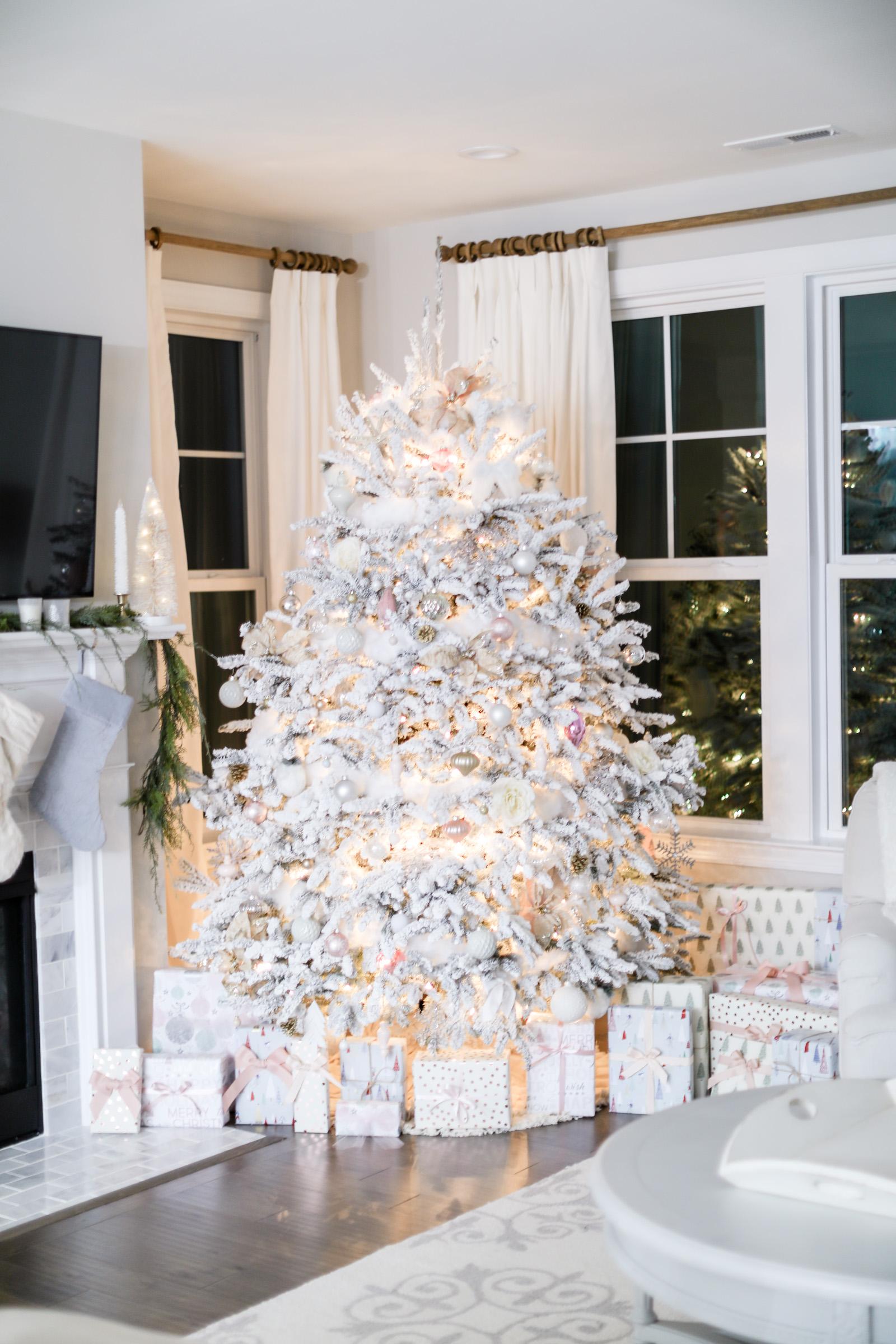 CHRISTMAS FARMHOUSE DECOR STYLE FOR THE HOLIDAYS