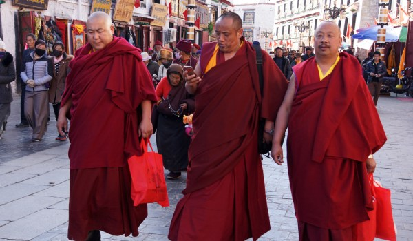 Lhasa: monks at Barkhor Street
