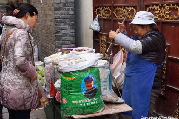 Street vendor at Songpan Ancient Town